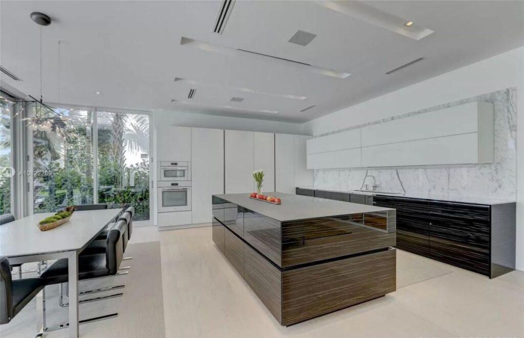 Fort Lauderdale Home in Prestigious Rio Vista for Sale