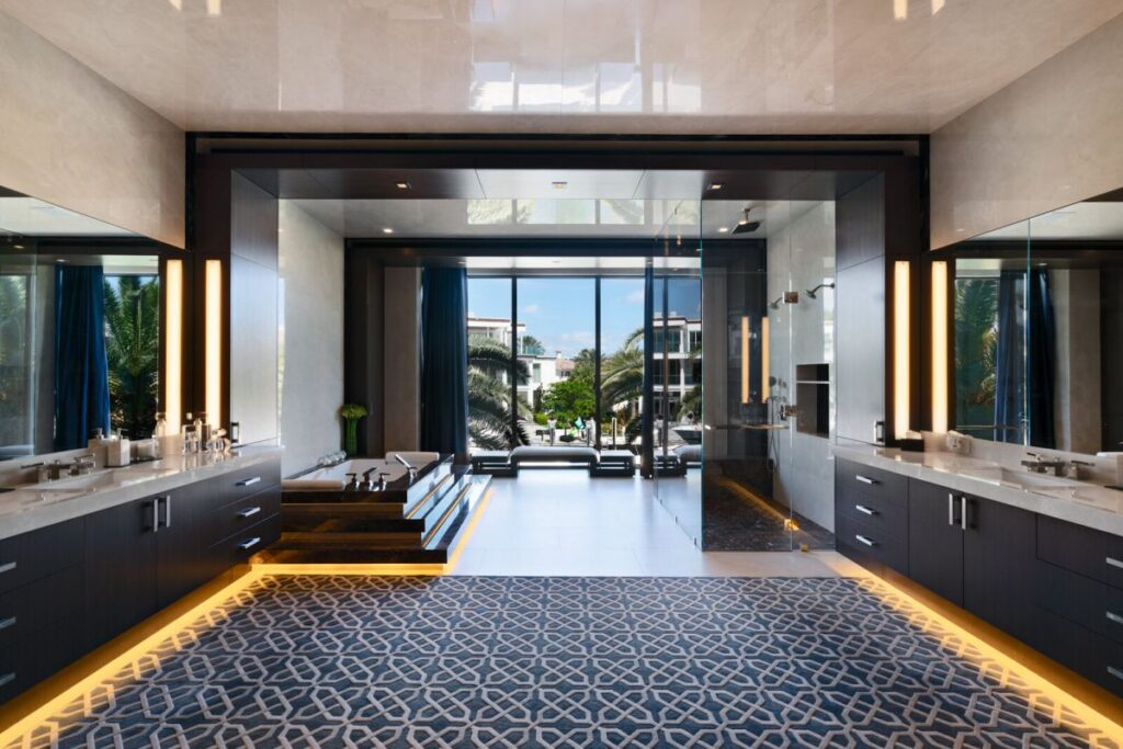 Gorgeous Florida Modern Home on Castilla Isle