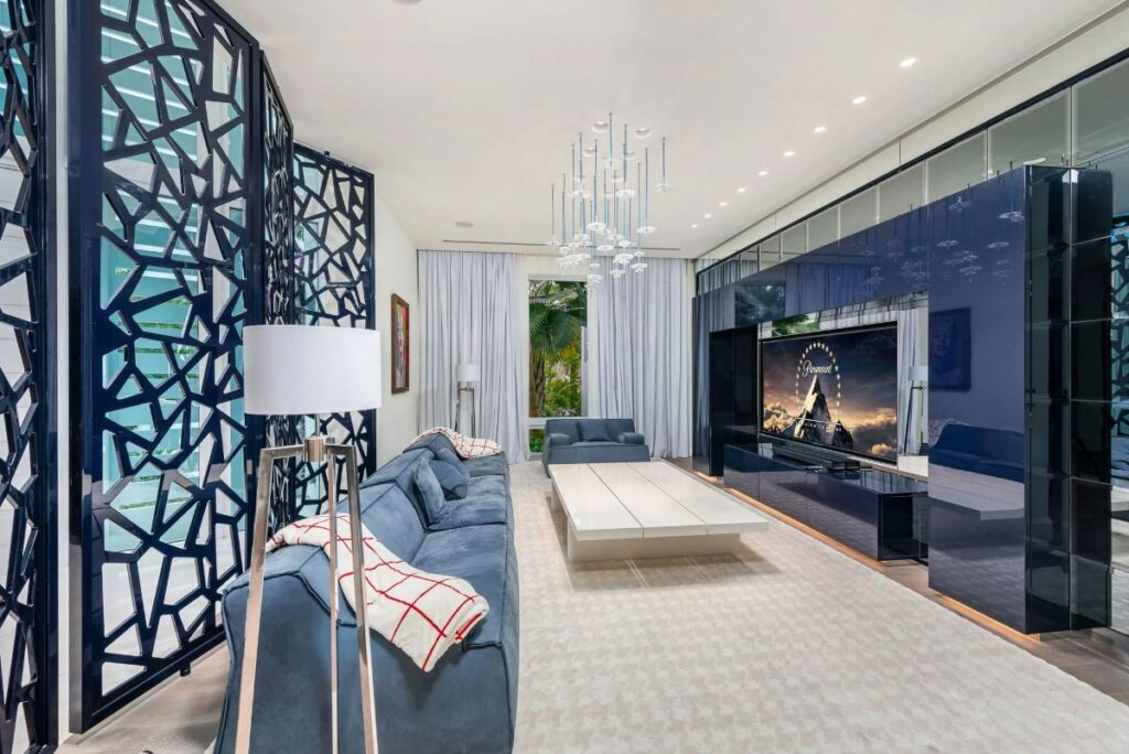 Iconic Florida Mansion in Coral Gables Returns Market