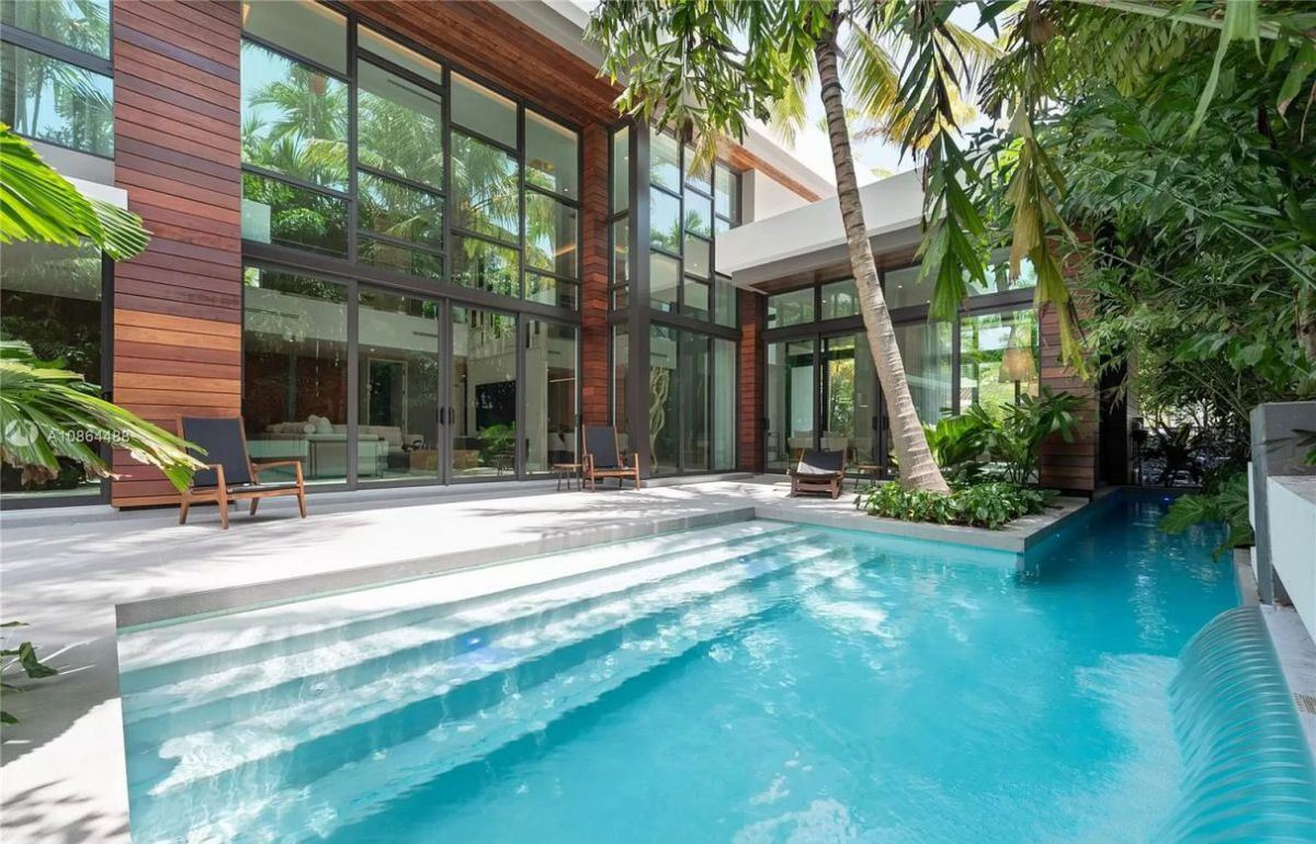 Modern Home in Miami for Sale in a Tropical Paradise