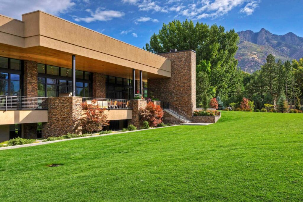 One of the Finest Contemporary Homes in Utah