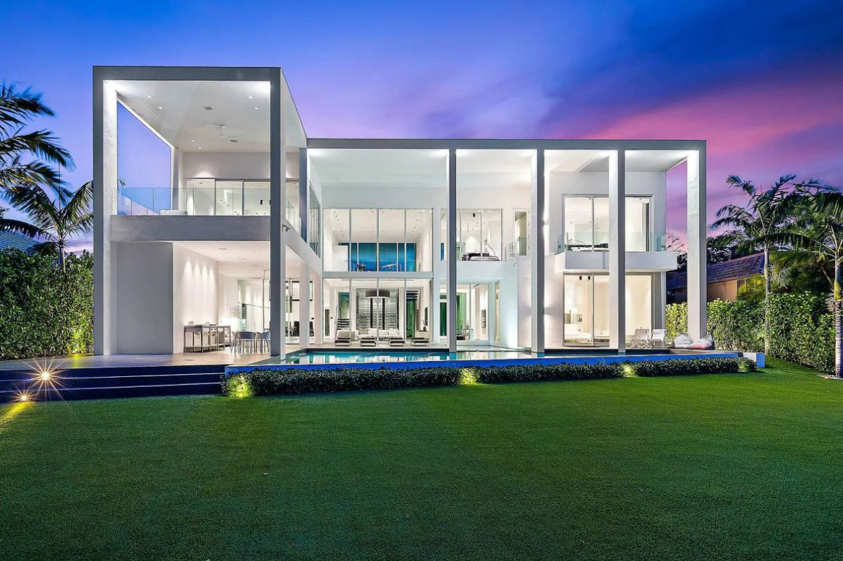 Sophisticated Palm Beach Gardens Modern Home