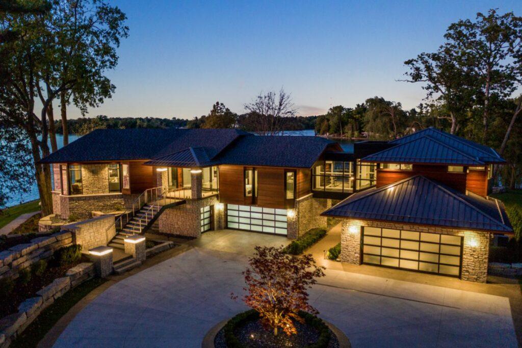 Spectacular Dingman Home in Michigan by AZD Associates