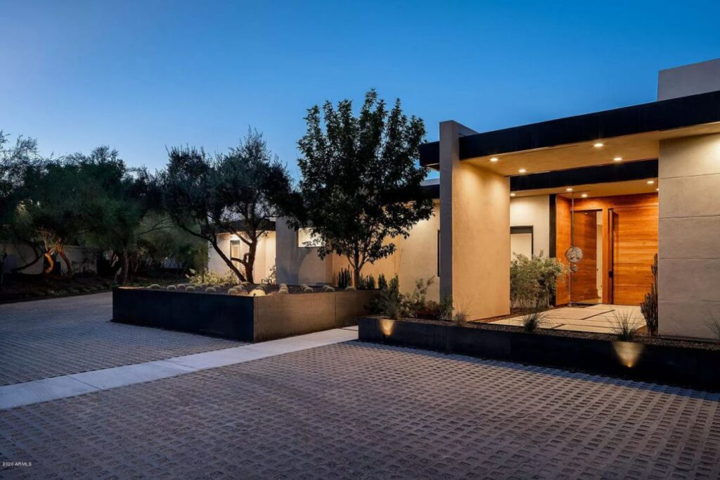 Stunning Contemporary Paradise Valley Home for Sale