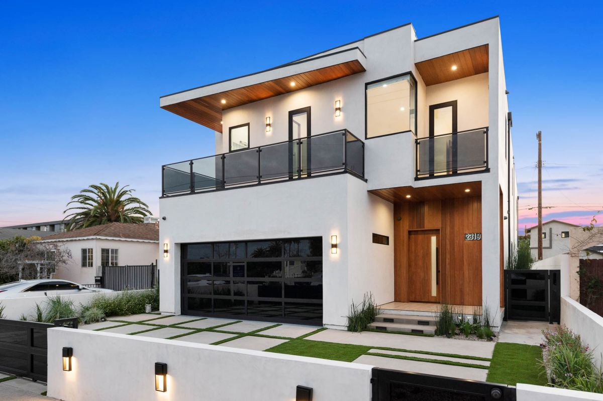 Stunning New Construction Home in Venice for Sale at $3.999 Million