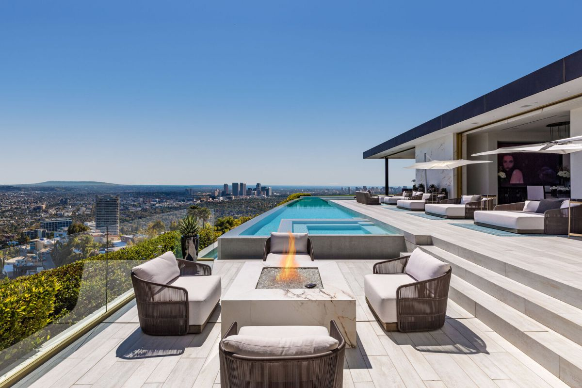 The Most Luxurious Beverly Hills Mansion for Sale