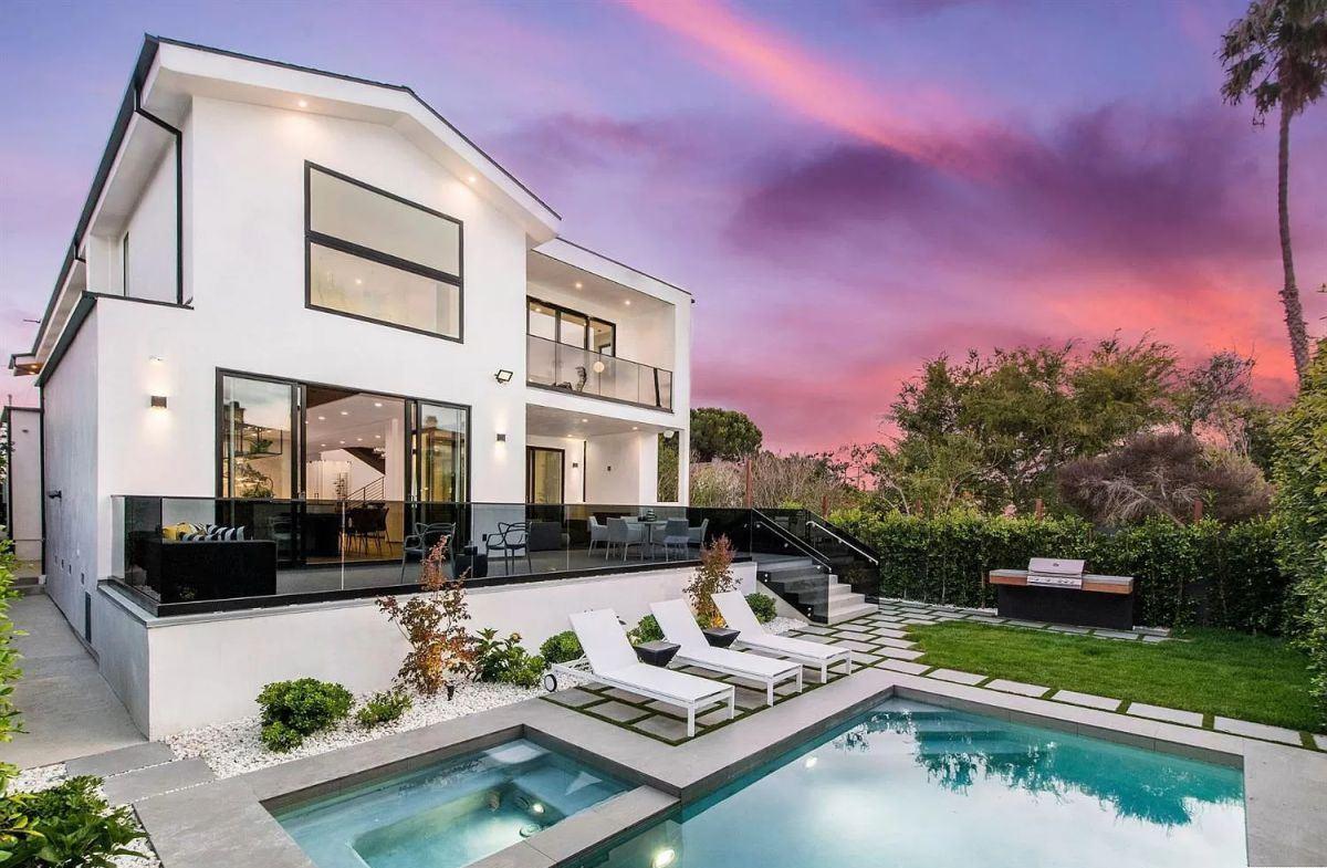 Uniquely Designed Manhattan Beach Home for Sale