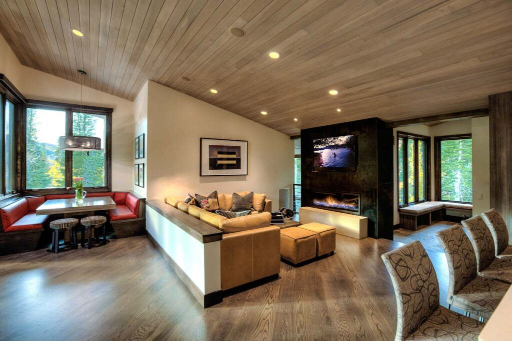 Utah Home on White Pine Canyon by Upwall Design Architects