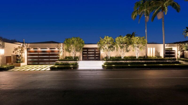 $26,000,000 Altamar Drive Home for Sale in Laguna Beach, California