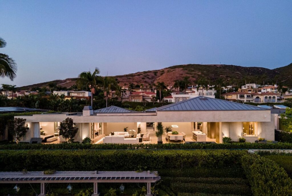 Altamar Drive Home for Sale in Laguna Beach, California