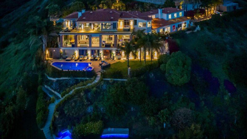 $30,000,000 Villa Pacifico – A Trophy Home for Sale in Malibu, California
