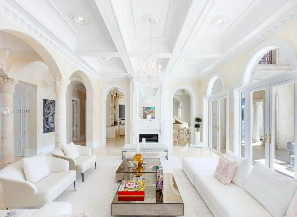 A Classical Italian Style House in Coral Gables for Sale