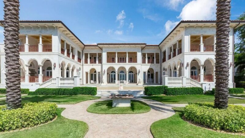 A Classical Italian Style House in Coral Gables for Sale at $25,850,000