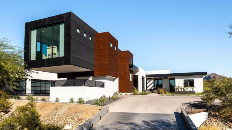 A Gorgeous Modern Paradise Valley Home for Sale at $4,850,000