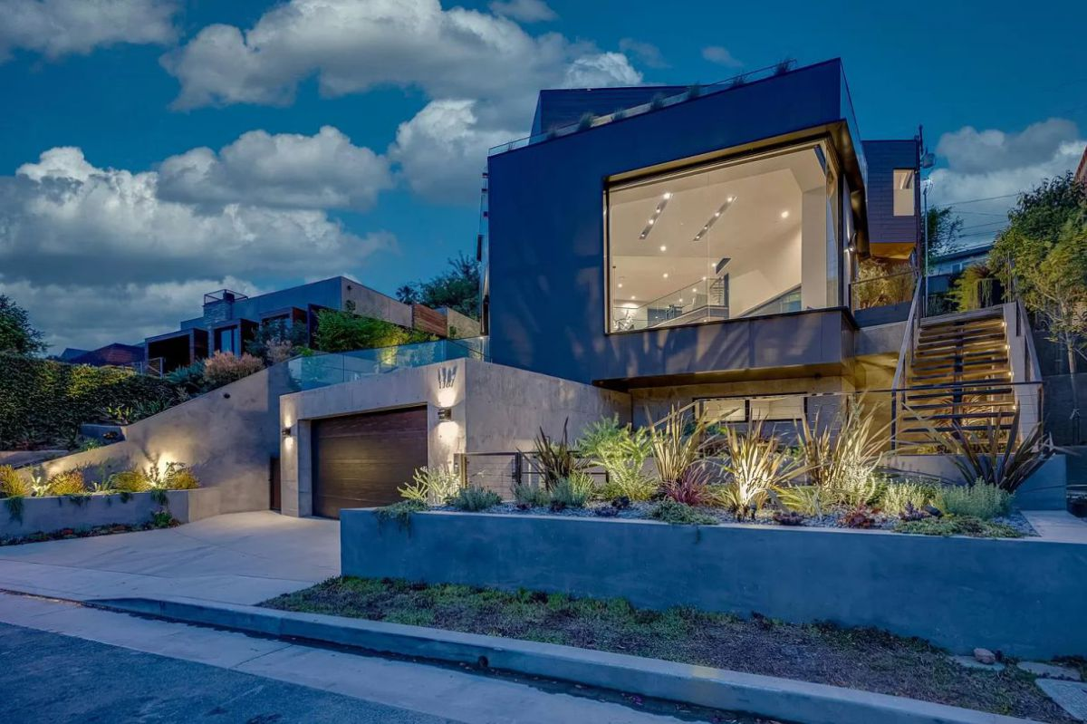 A Masterfully Designed Santa Monica Home for Sale
