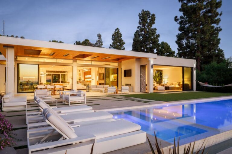 A Modern Home in The Iconic Trousdale Estate hit Market