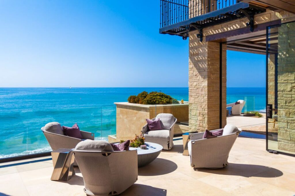 A Modern Mediterranean Home in Dana Point for Sale