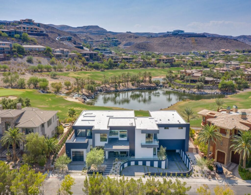 A New Contemporary Home in Henderson, Nevada for Sale