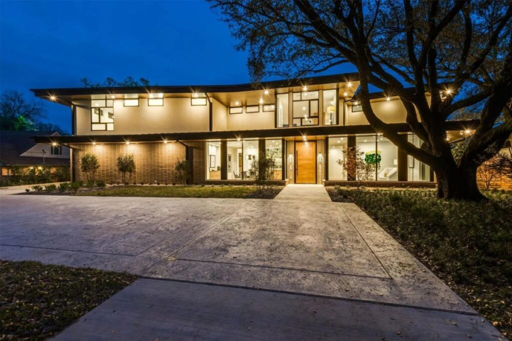 A Thoughtfully Designed House in Dallas for Sale
