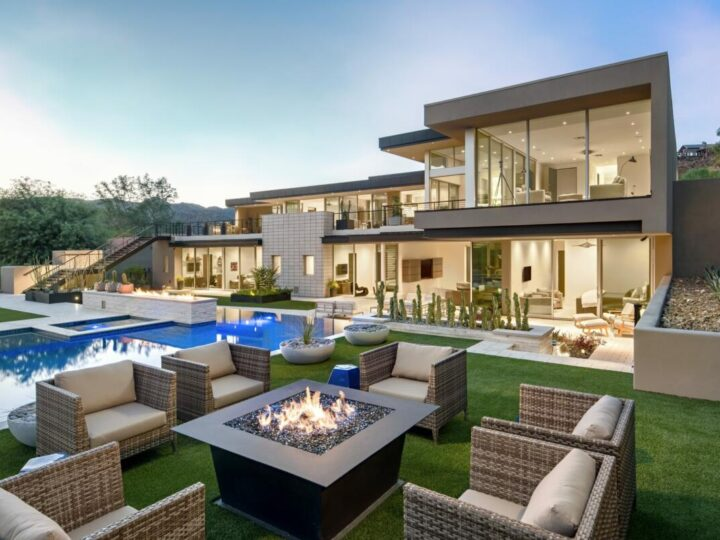 Arroyo Contemporary Home Design Project in Arizona by PHX Architecture