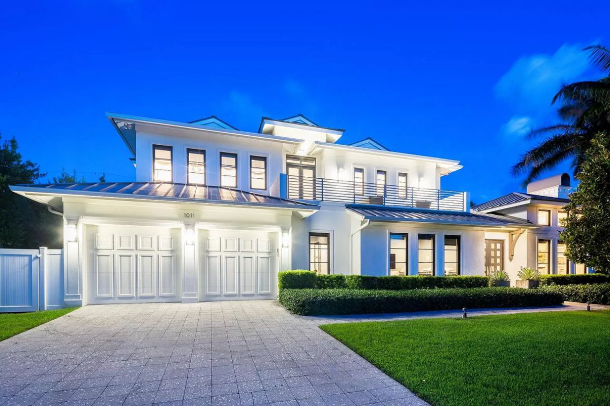 Classical Elegant Seagate House in Delray Beach for Sale at $4,295,000