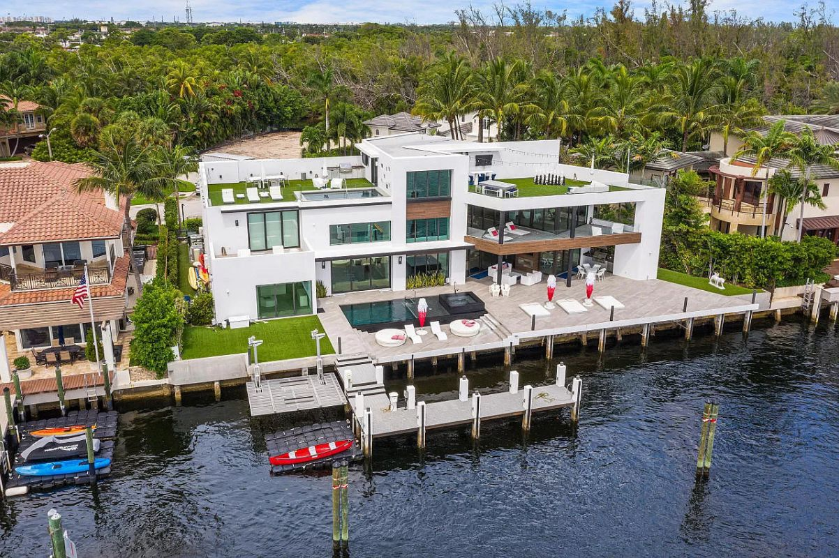 Contemporary Intracoastal Home for Sale in Boca Raton