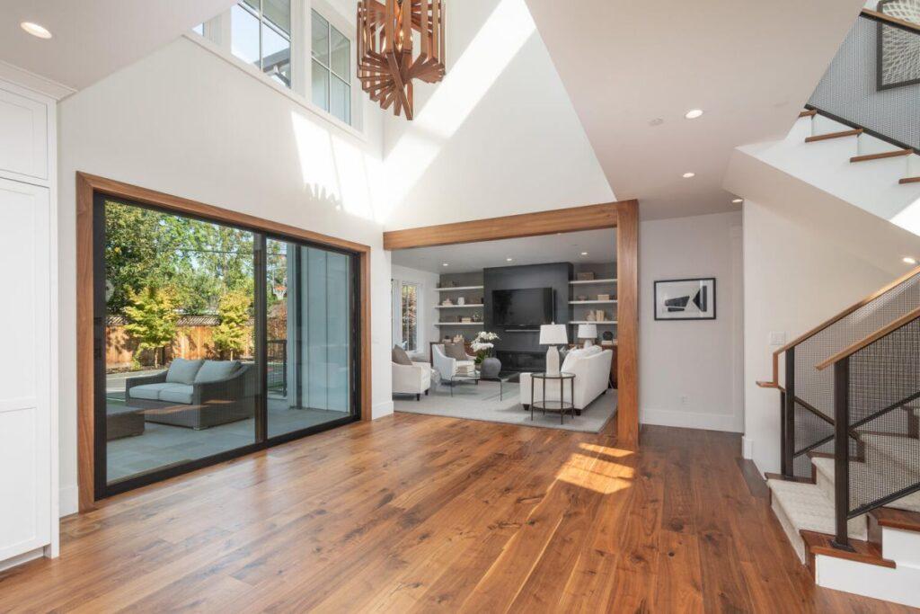 Eco- friendly Menlo Park House in California
