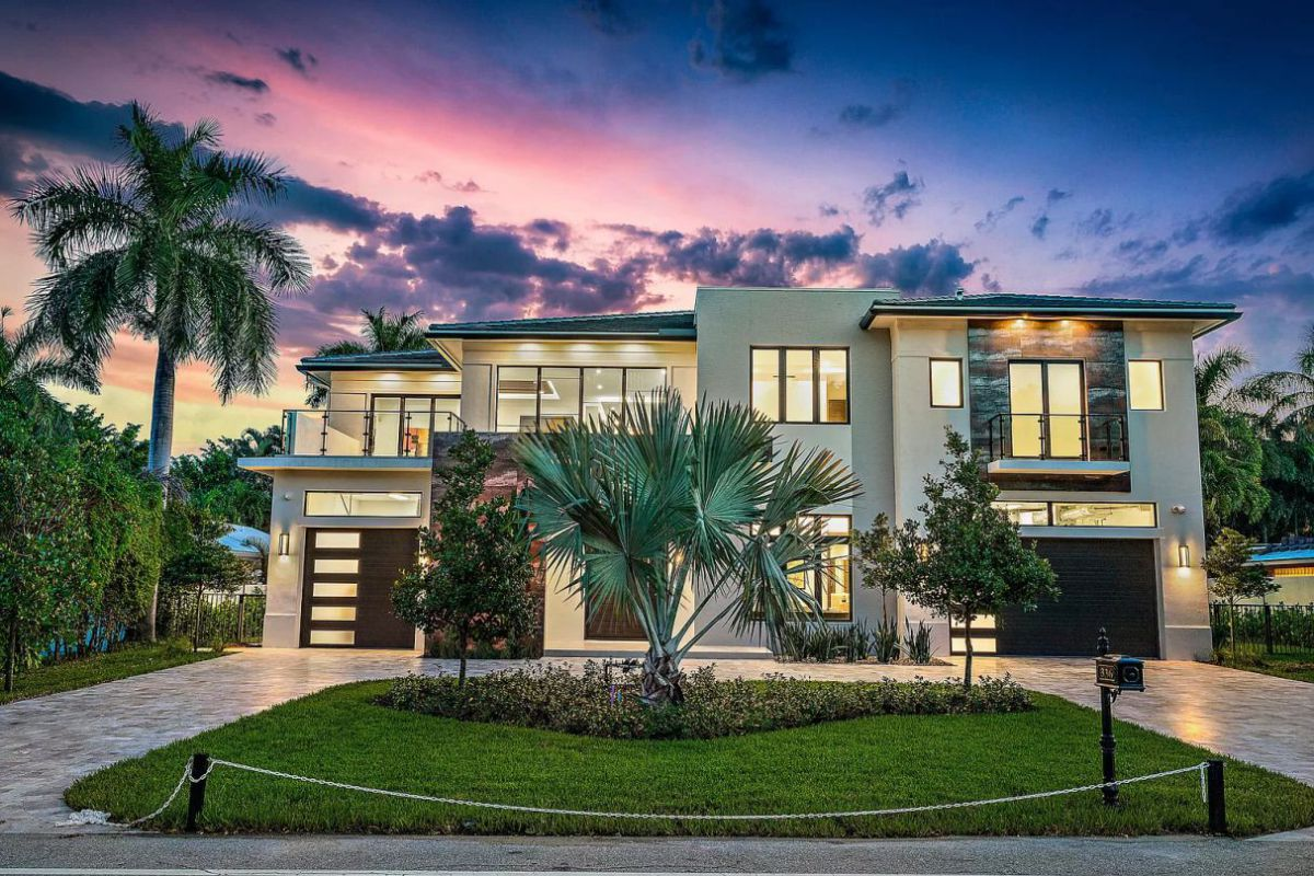 Fully Automated Smart Modern Home in Boca Raton for Sale