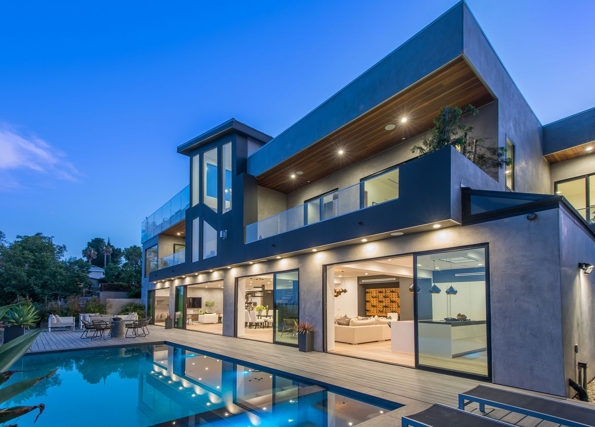 Luxurious Custom Built House in Los Angeles for Sale