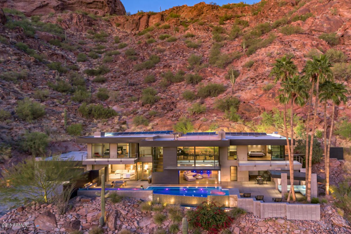 Magnificent Contemporary Glass Home in Phoenix for Sale