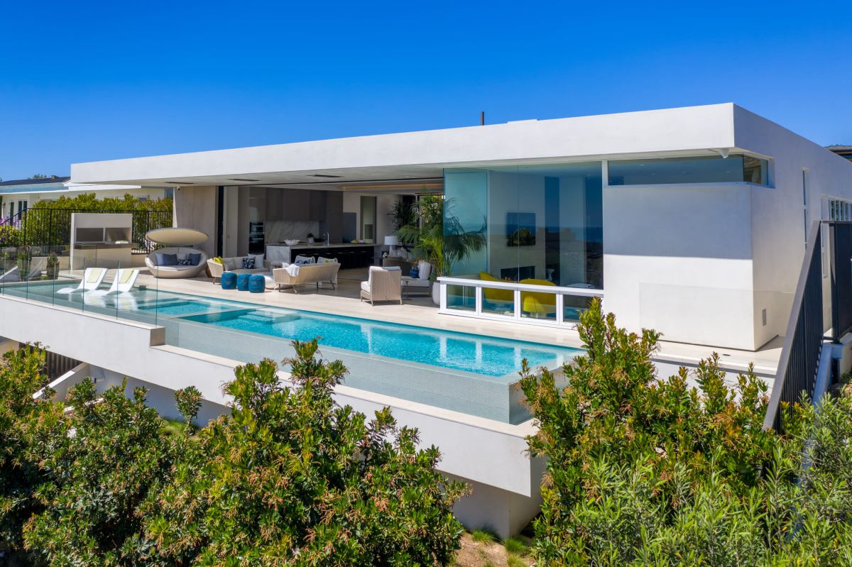 Meticulously Finished Orange County Home for Sale at $17,995,000