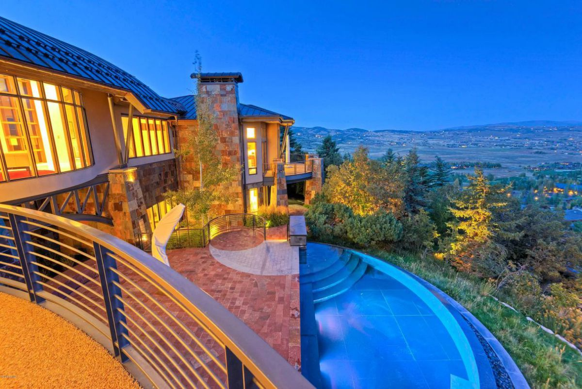 Modern Elegance in A $7.5 Million Home for Sale in Utah