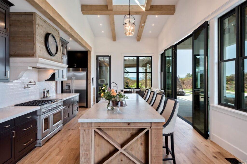 Newly Healdsburg Farmhouse in California for Sale