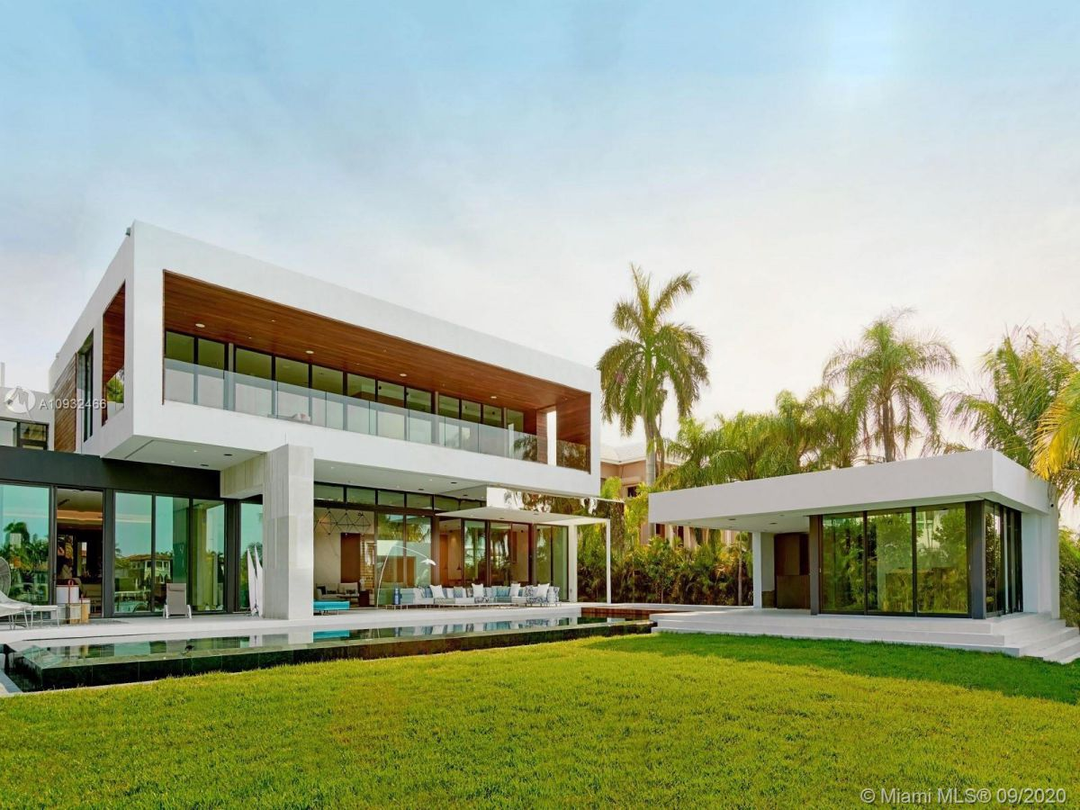 Palm Island's Newest Home in Miami Beach for Sale