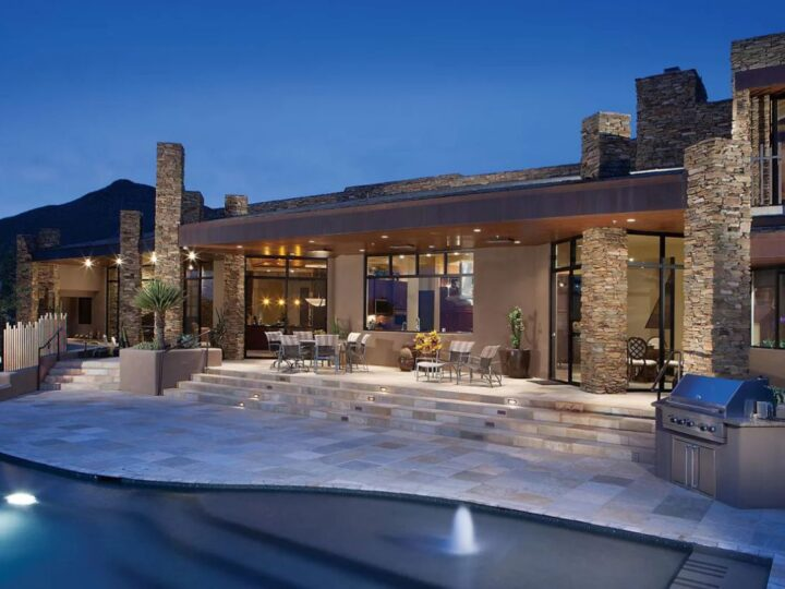 Secluded Desert contemporary Home for Sale in Scottsdale at $4,295,000
