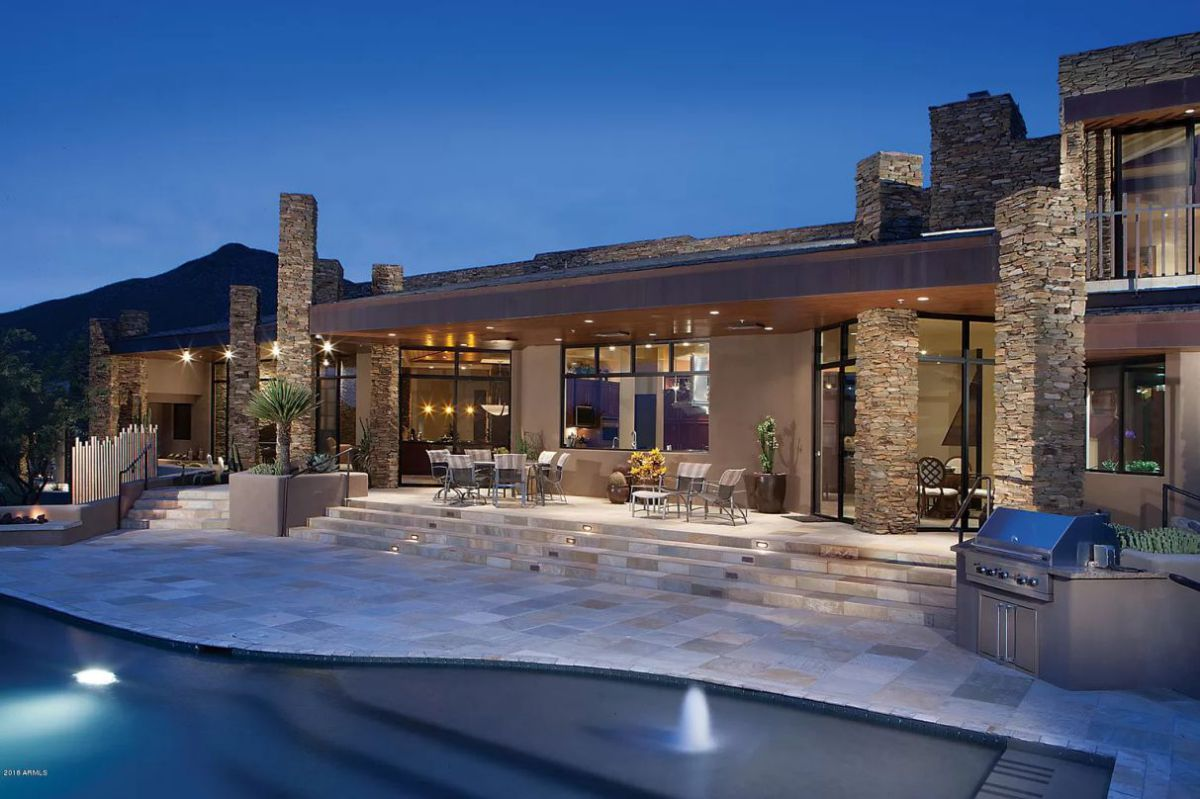 Secluded Desert contemporary Home for Sale in Scottsdale