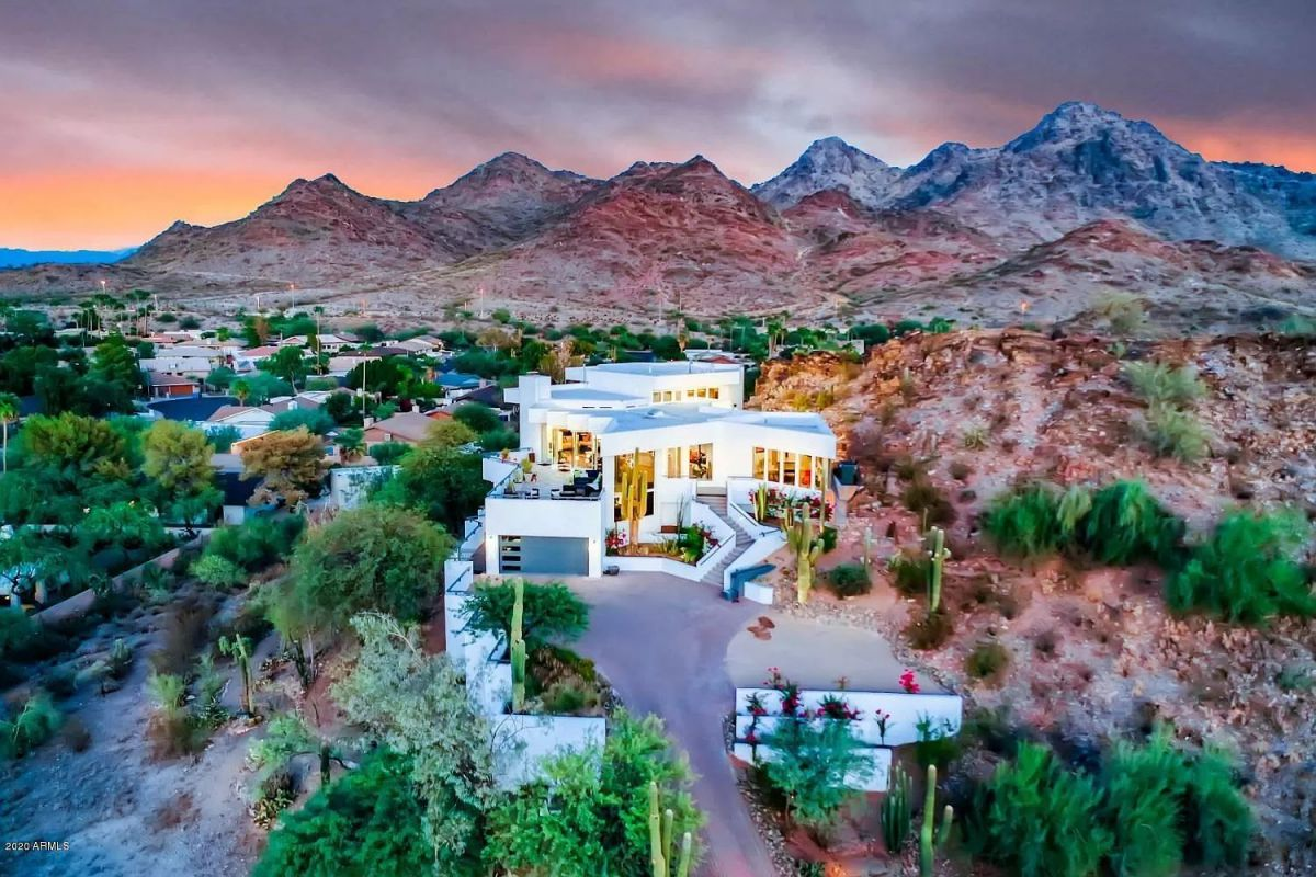 Stunning Modern Contemporary Home in Phoenix for Sale at $2,495,000