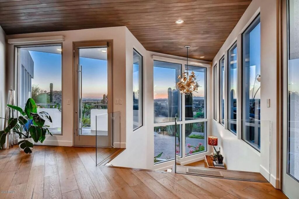 Stunning Modern Contemporary Home in Phoenix for Sale