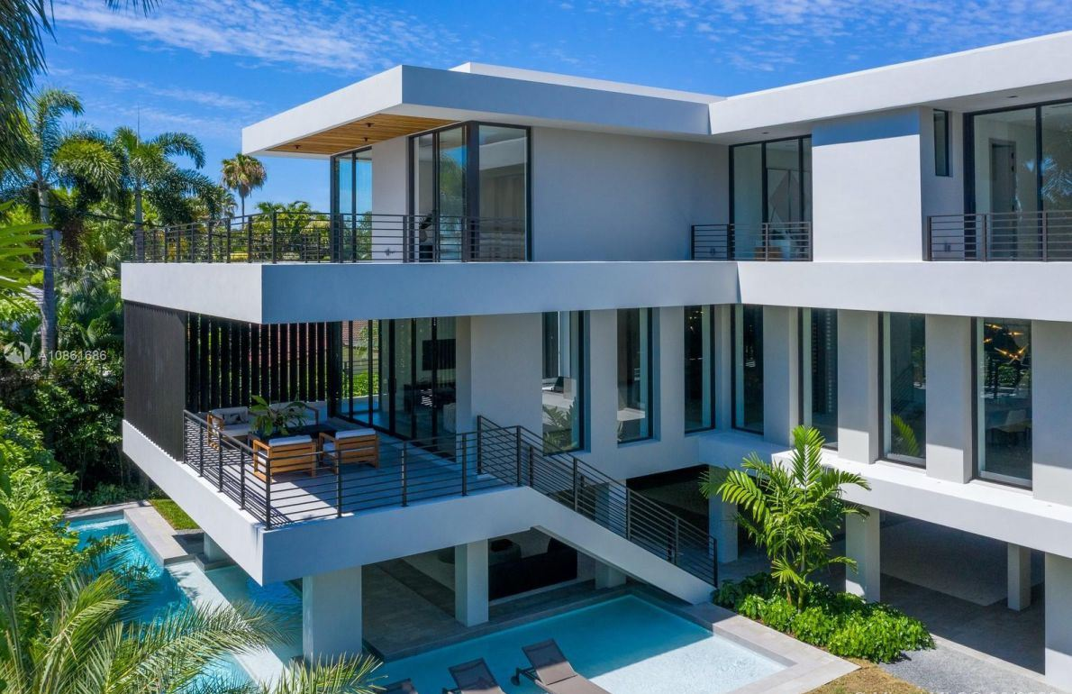 Superbly Modern Smart Home for Sale in Miami, Florida