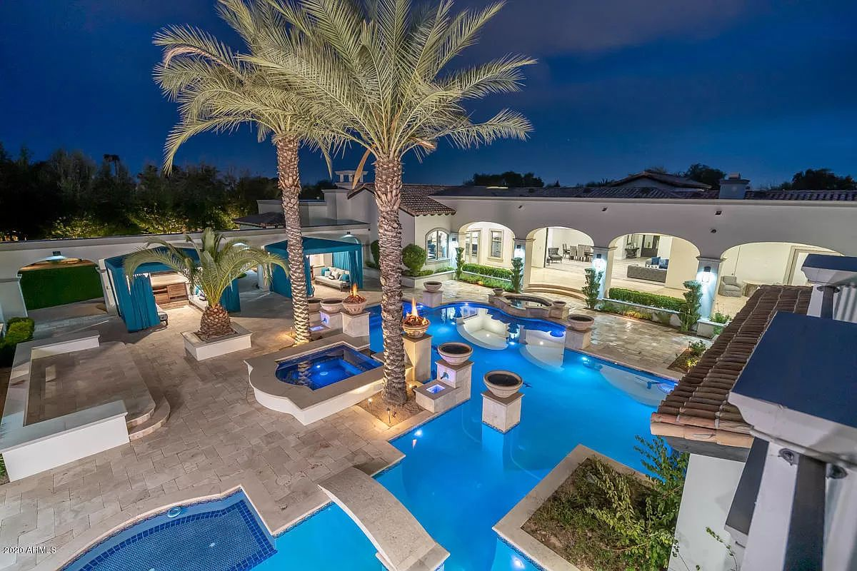 Beautifully Updated Private Home for Sale in Paradise Valley