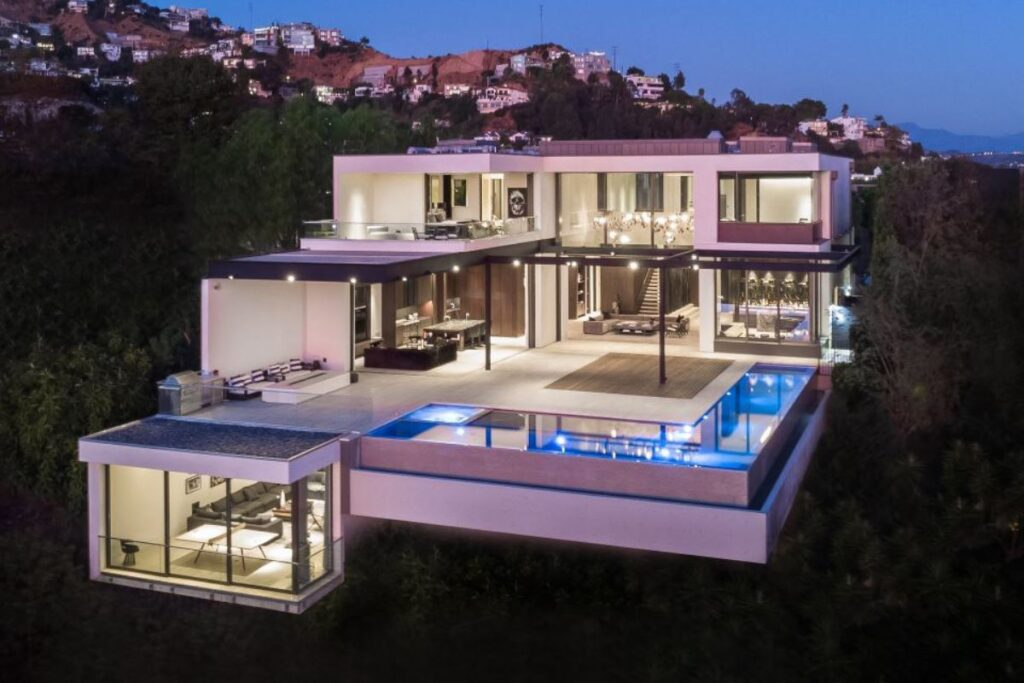 A $29,500,000 Los Angeles Home offers the Pinnacle of Luxury Living
