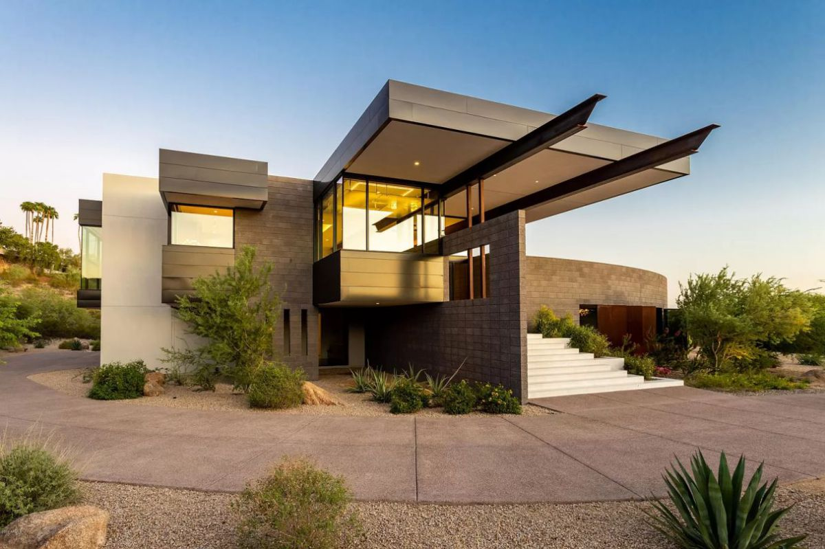 A $4,995,000 Paradise Valley Home for Sale Features Ultra Contemporary