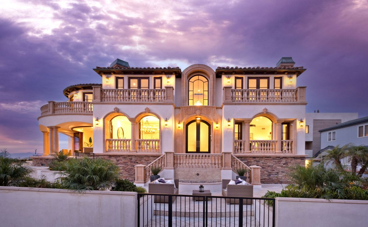 A Magnificent Coastal Home for Sale in Hermosa Beach
