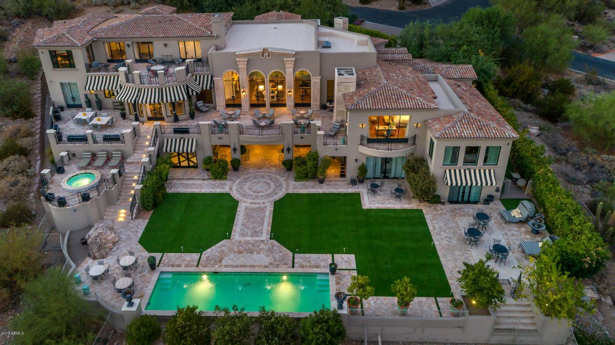A Sophisticated Resort-like Home for Sale in Paradise Valley $12,999,998