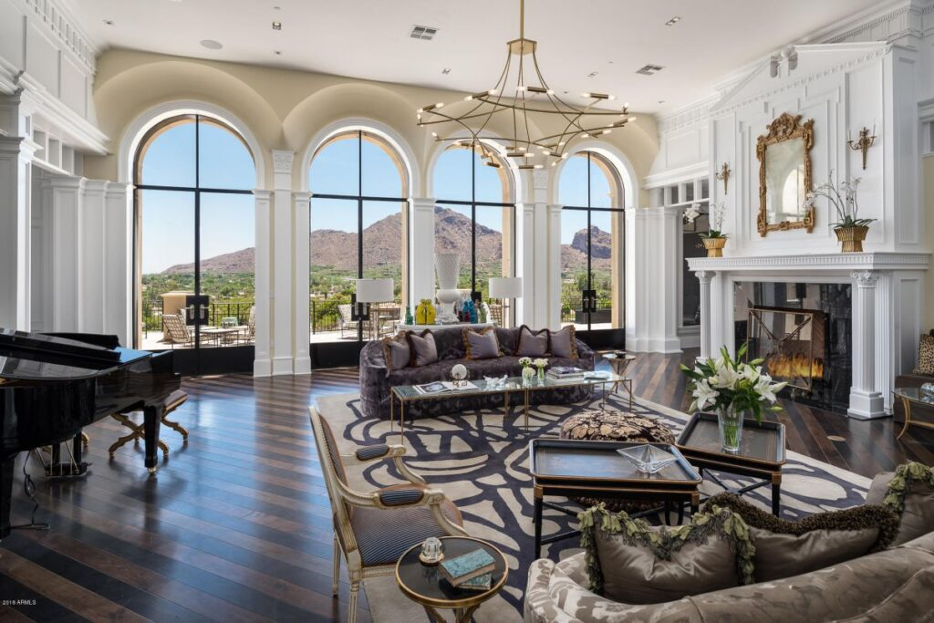 A Sophistcated Resort-like Home for Sale in Paradise Valley