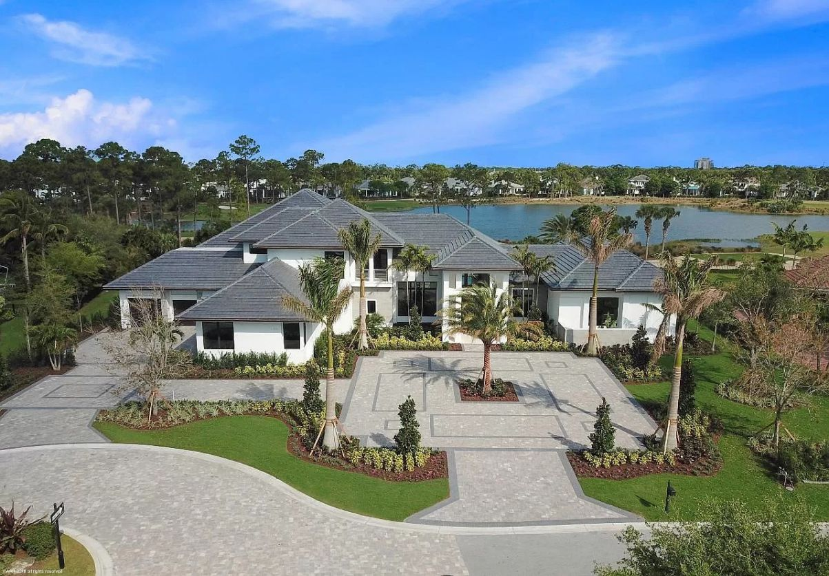 A Spectacular Custom for Sale in Palm Beach Gardens