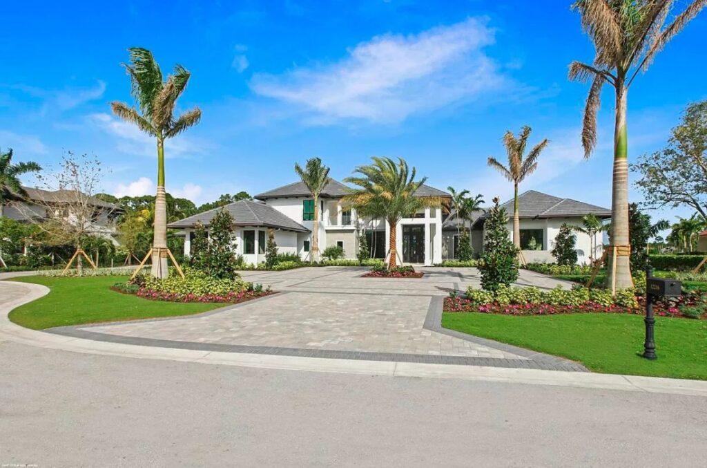 A Spectacular Custom for Sale in Palm Beach Gardens