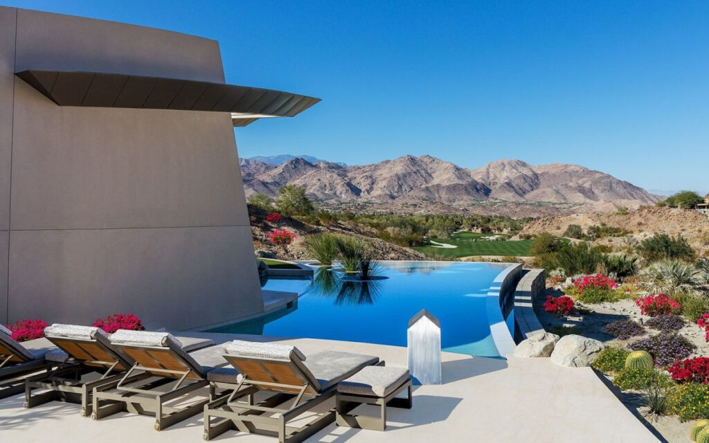 A Stunning Contemporary Home for Sale in Palm Desert