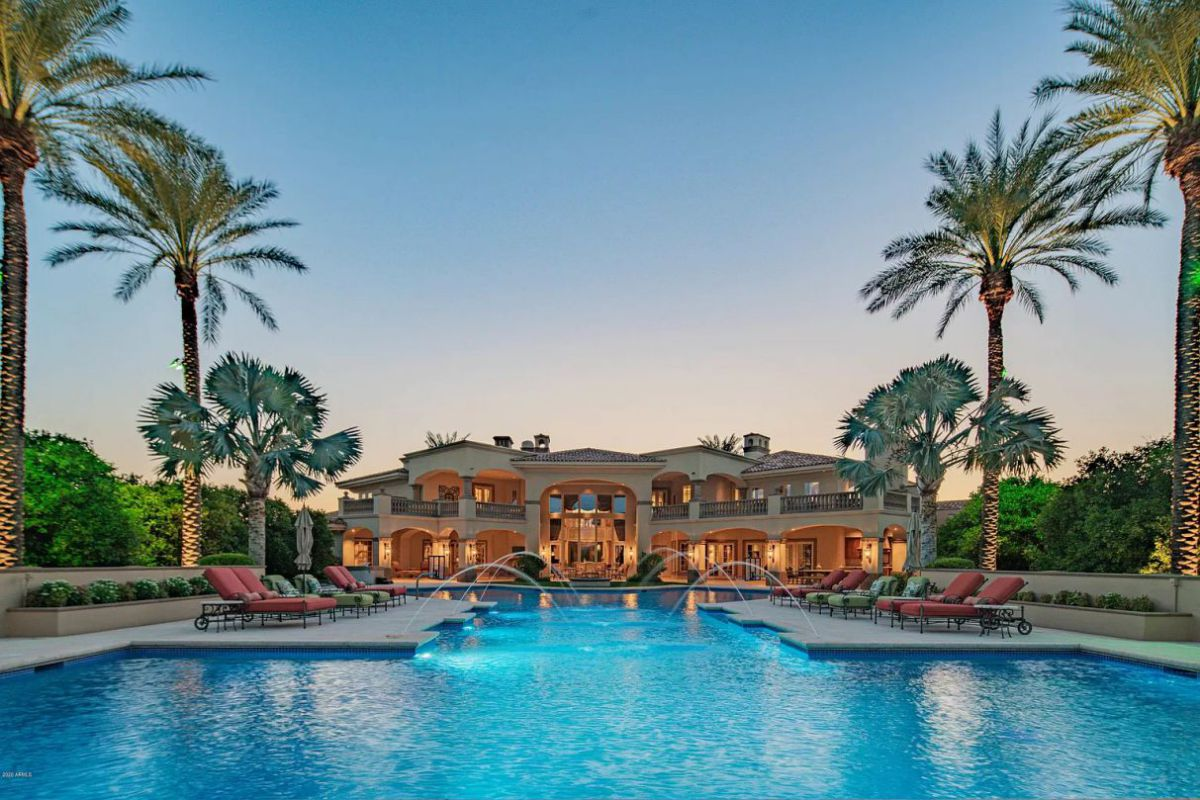 An Extraordinary House for Sale in Mesa