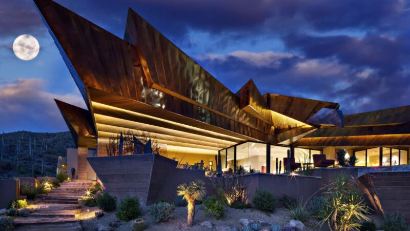 Hawks Nest Contemporary Home in Arizona by Shelby Wilson